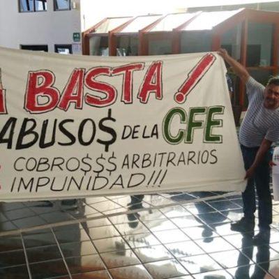 Ciudadanos acuden al Congreso del Estado para exigir a los diputados sumarse a la lucha por una reducción de tarifas de CFE