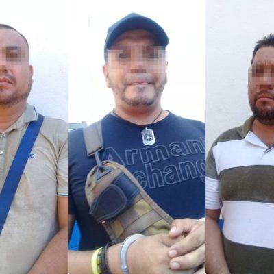 Detienen a comando armado, con equipo táctico y radios, en Solidaridad