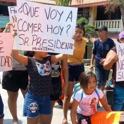 """Familias de locatarios del mercado """"Altamirano"""" se manifiestan nuevamente contra gobierno de Otoniel Segovia por desalojos"""