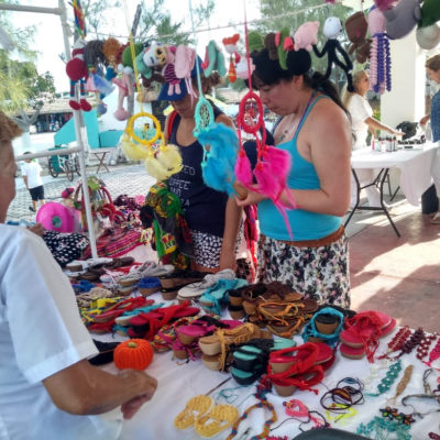 Alistan la décima edición del Tianguis con Encanto para impulsar a los artesanos en Puerto Morelos