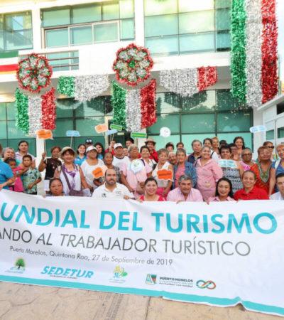 Disfrutan trabajadores de Puerto Morelos atractivos del estado por el Día Mundial del Turismo