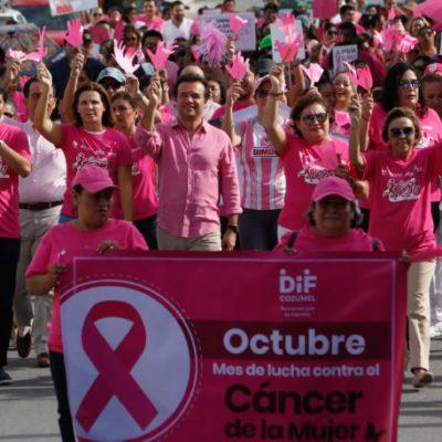 """Con """"caminata rosa"""" promueven la cultura de la prevención y detección del cáncer de mama en Cozumel"""