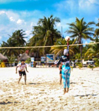 """Participan nueve equipos en el """"Torneo Relámpago de Voleibol Playero"""" en Isla Mujeres"""