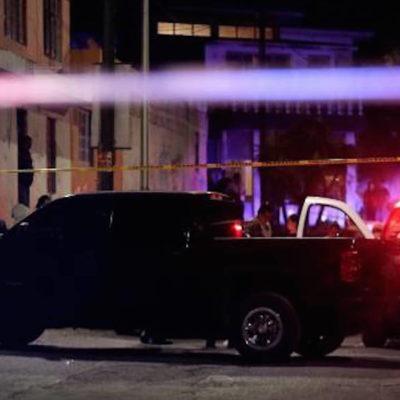 Deja cinco muertos enfrentamiento entre policías y comando armado en Morelia