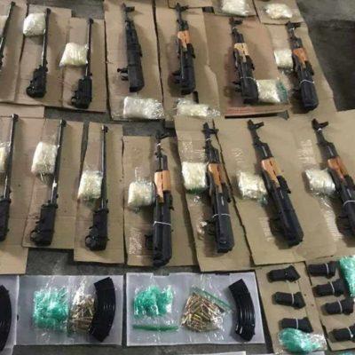 Asegura Guardia Nacional arsenal escondido en el tanque de gasolina de una camioneta en Coahuila