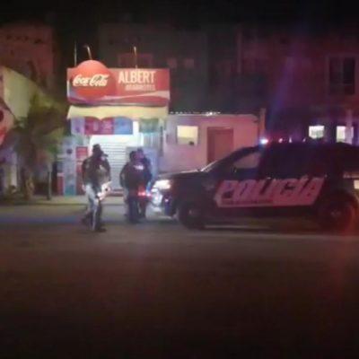 SIN DEBERLA NI TEMERLA: Hieren de bala a cliente en asalto a local en Villas del Sol en Playa del Carmen