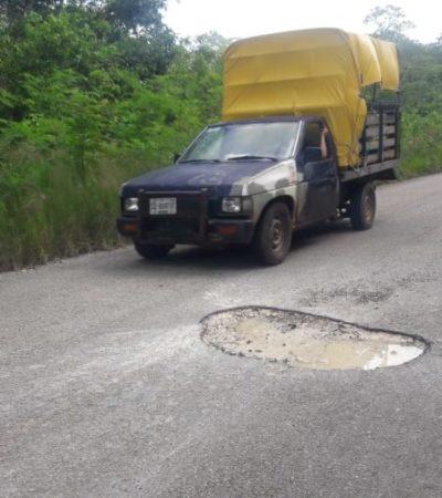 Solicitan habitantes de Candelaria reparación de baches en la carretera a Santa Gertrudis