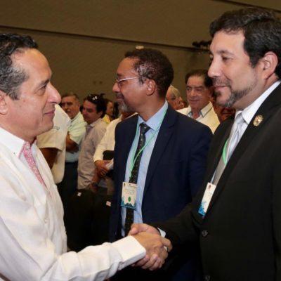 Comparte Quintana Roo estrategias de éxito para la contención del sargazo en conferencia internacional