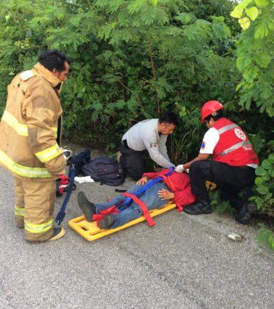 Derrapan dos en motocicleta en Lázaro Cárdenas