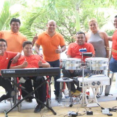 """Personas con discapacidad fundan el grupo musical """"Los Chuecos con ritmo"""" en Cancún"""