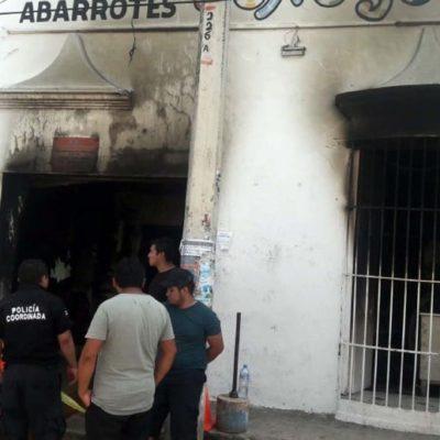 Fuego y explosión en tienda de abarrotes de Halachó