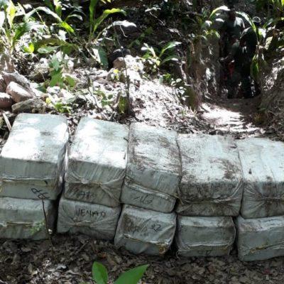 DECOMISA EJÉRCITO CASI UNA TONELADA DE COCAÍNA EN EL SUR DE QR: Aseguran 960 kilos de droga con valor estimado de 237.6 mdp en la localidad de Tomás Garrido