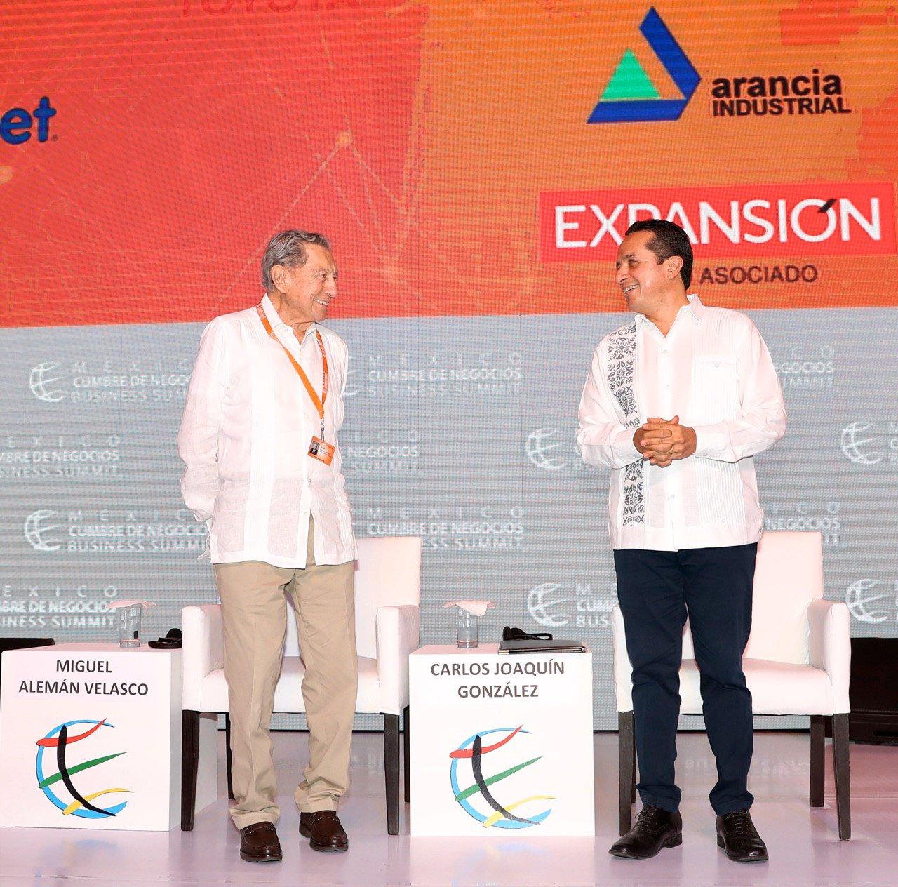 """CUMBRE DE NEGOCIOS EN CANCÚN: Recibe Quintana Roo a líderes empresariales, académicos e inversionistas para planear estrategias de crecimiento; el estado, """"aliado confiable"""", asegura el Gobernador"""