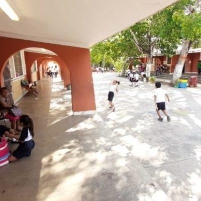 Padres de familia amenazan con cerrar primaria de Chetumal si no reparan problemas en baños