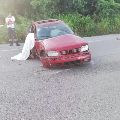 Muere automovilista al salirse por ventana de vehículo en la vía Playa del Carmen-Tulum