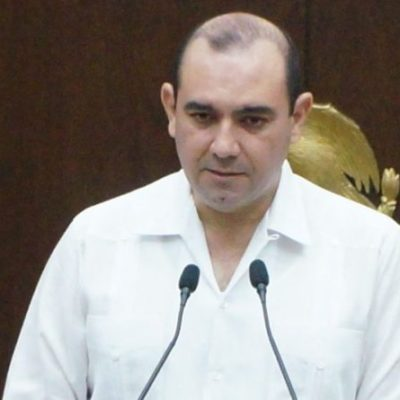 Piden a Vila Dosal evitar declaraciones 'escandalosas' en torno a presunta quiebra del ISSTEY