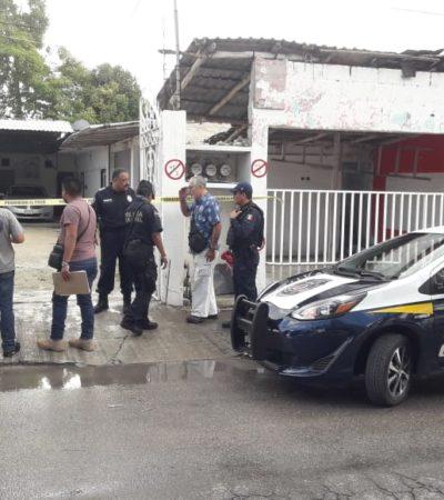 Hieren de bala a vendedor de autos en Cozumel