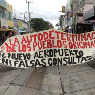 """""""¡AVIONES NO, AGUA SÍ!"""": Marchan habitantes de 12 pueblos contra aeropuerto de Santa Lucía"""