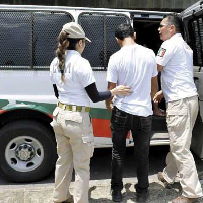 Detiene INM a solicitantes de refugio en Chiapas y los encierra pese a tener papeles