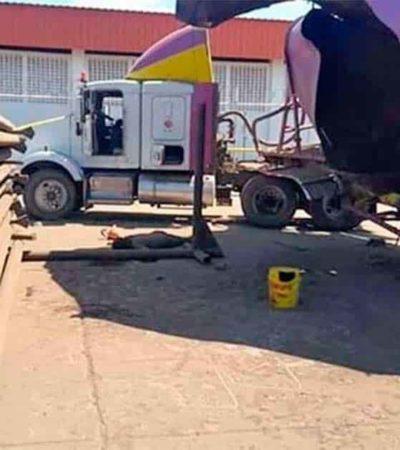 Explosión de pipa en puerto de Dos Bocas deja al menos un muerto y dos heridos