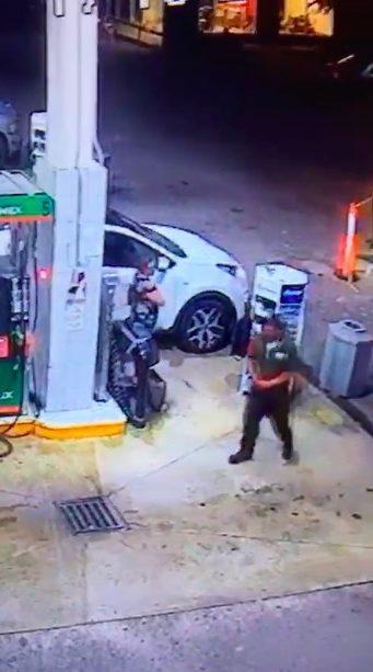 Se roban camioneta a punta de pistola en Playa del Carmen