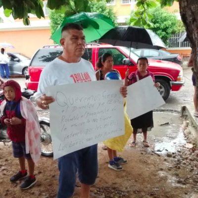 PROTESTA EN PRIMARIA DE CHETUMAL: Padres de familia exigen la destitución del director por presuntos malos manejos de recursos