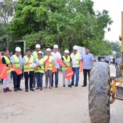 """Inician obras de pavimentación de siete calles de la colonia """"La Veleta"""" en Tulum"""