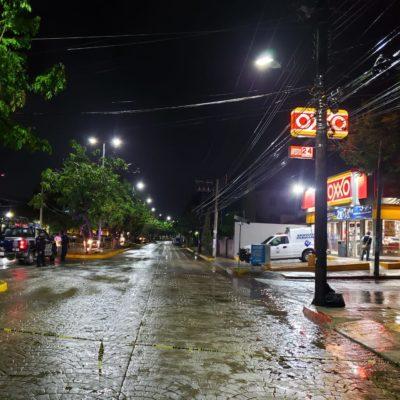 Ejecutan a un hombre en el interior de un Oxxo de la Avenida Nader de Cancún, cerca del Palacio Municipal