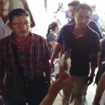 COBERTURA | Se caldean los ánimos y amenazan con quemar palapa durante el proceso de elección de consejeros de Morena en Chetumal