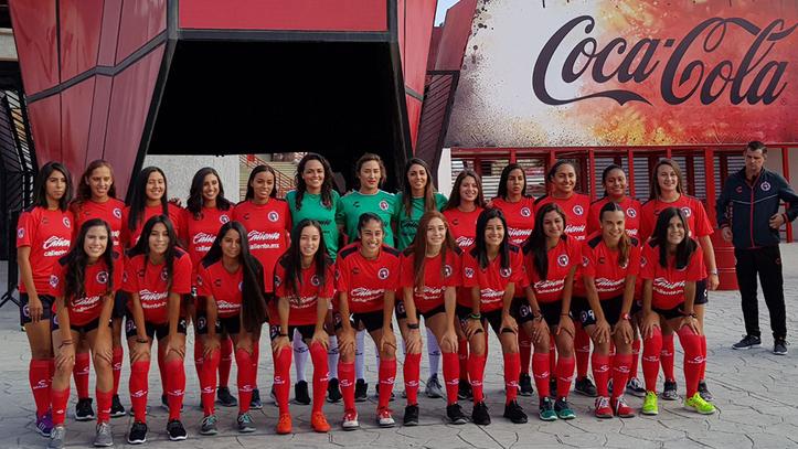 Padecen atraso en sueldos y fallas en logística jugadoras de la Liga MX femenil