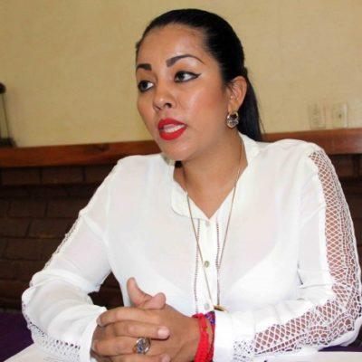 Recolecta alcaldesa de Pochutla, Chiapas, credenciales para proceso electoral interno de Morena