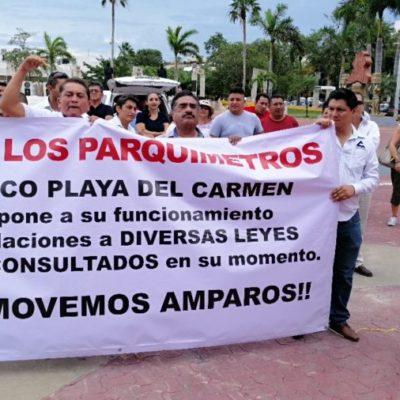 Se manifiestan en Playa del Carmen contra los parquímetros; piden revocar concesión por violar el reglamento municipal