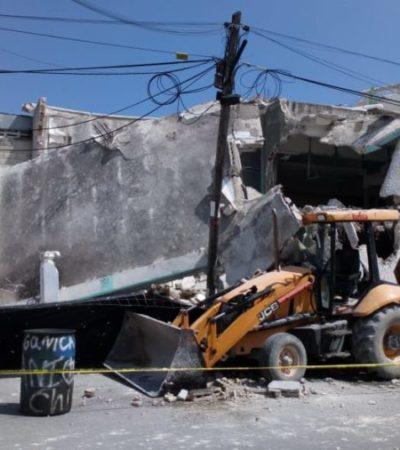 Colapsa construcción sobre trabajadores y maquinaria en la Sm 94 de Cancún; no se reportan lesionados