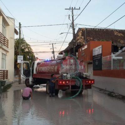 Lluvias inundaron calles de Holbox afectando actividades turísticas y pesqueras