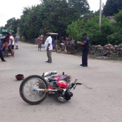 Motociclista resulta lesionado tras ser embestido por una camioneta que no respetó su alto en José María Morelos