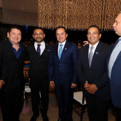 SE REÚNE GOBERNADOR CON COMERCIANTES EN CHETUMAL: Asegura Carlos Joaquín que hay avances en la diversificación económica del sur de QR basado en la industria, la agroindustria y el comercio