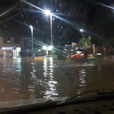 Tormenta deja viviendas y calles inundadas en José María Morelos