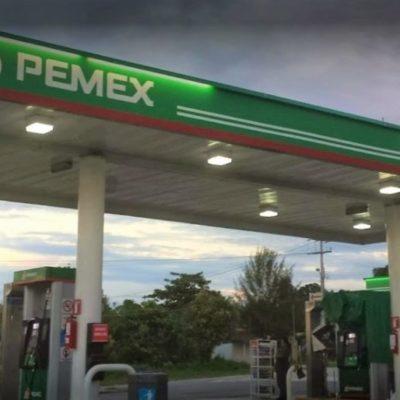 Sujetos armados roban camioneta a comerciantes para usarla en asalto a gasolinera durante la madrugada en Bacalar; no hay detenidos