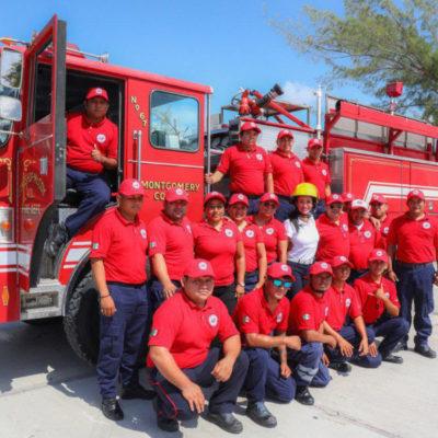 Laura Fernández entrega al H. Cuerpo de Bomberos el primer carro bomba equipado en Puerto Morelos