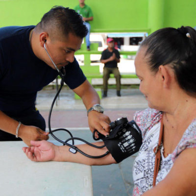 La Feria de Salud de Puerto Morelos lleva servicios médicos gratuitos a la ciudadanía