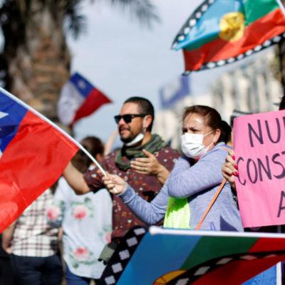 EN ÓRBITA   Chile suda y llora logrando 'milagros'   Por Marcelo Salinas