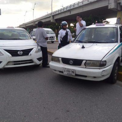 Automovilista choca a taxi y se da a la fugaen Playa del Carmen