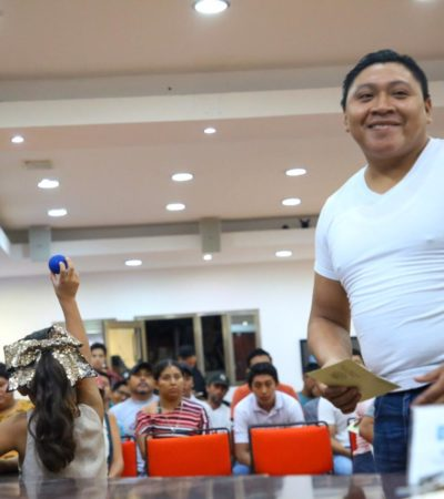 Realizan sorteo anual de conscriptos del servicio militar en Isla Mujeres