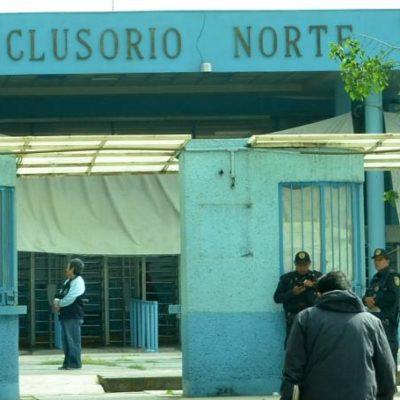 Se presenta madre de Lozoya a declarar en el Reclusorio Norte de la CDMX