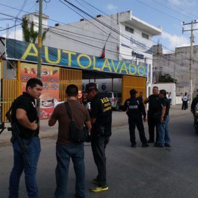 ACTUALIZACIÓN   NI SON CUATRO NI SON CUBANOS: Atrapan a presuntos delincuentes cuando intentaban robar joyería en la Región 91 de Cancún