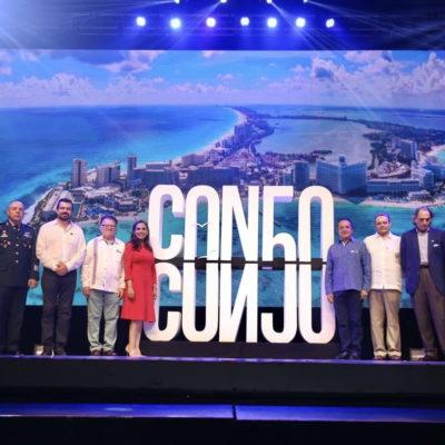 """""""OPORTUNIDAD DESPERDICIADA Y MUY TONTA"""": Tiziana Roma, cronista de Cancún, critica aprobación del logo por los 50 años del destino"""