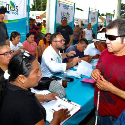Acercan más de 80 servicios gratuitos, subsidiados y con descuentos a habitantes de la comunidad de Los Divorciados