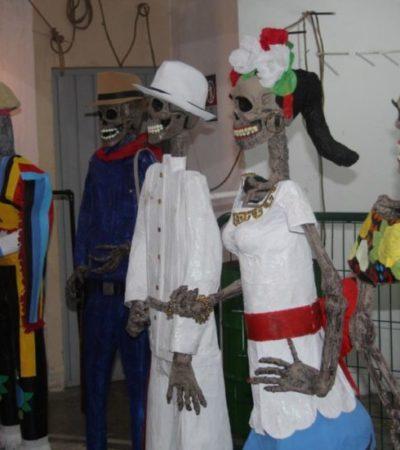 Reclusos de Cancún elaboran 12 catrinas de tamaño real para festejos del Día de Muertos en el parque Las Palapas