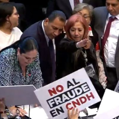 ESCÁNDALO EN EL SENADO: En medio de empujones y gritos, rinde protesta Rosario Piedra Ibarra como presidenta de la CNDH