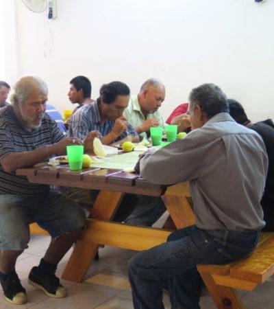 """Atiende la fundación """"Nuevo Corazón Villa de la Paz"""" a más de 50 indigentes y migrantes en situación de calle que deambulan por Cancún"""